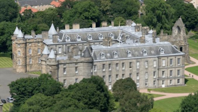 linger in edinburgh university in scotland